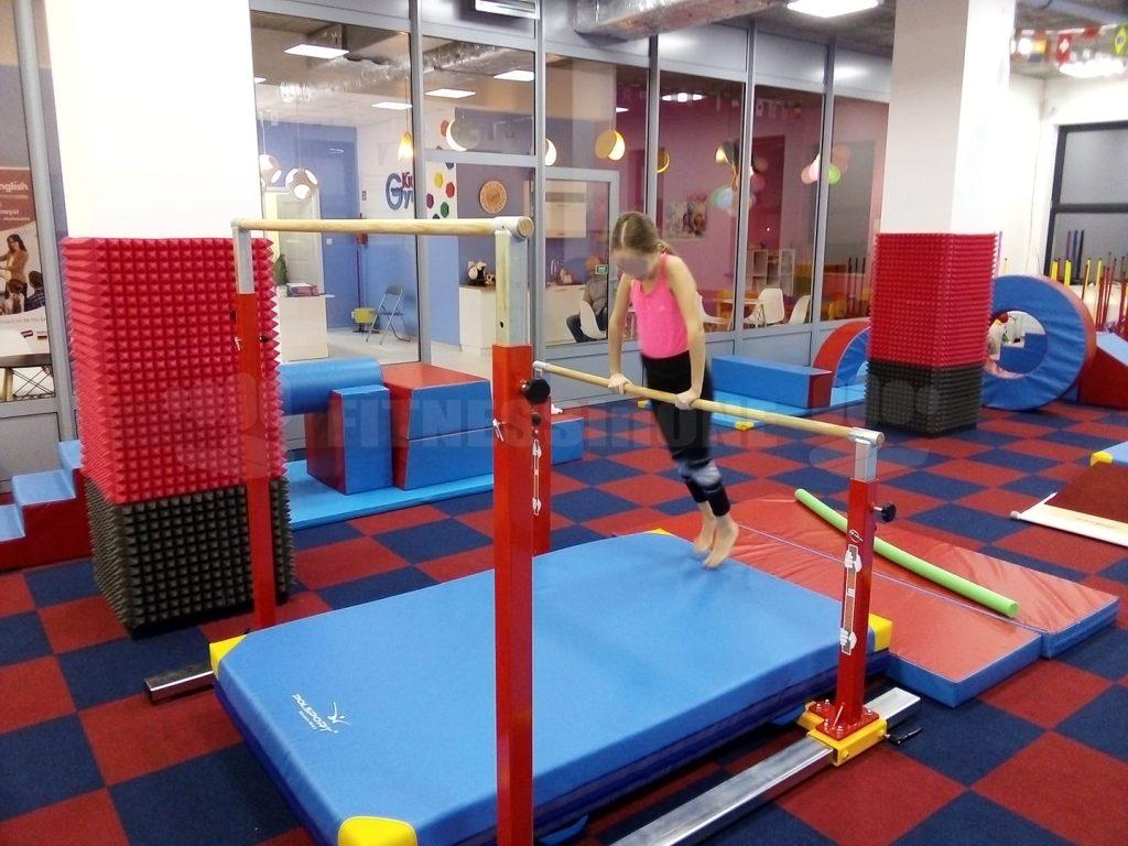 FITNESSinONE-asymetreyczne-poręcze-równoległe-gimnastyczne-realizacja-GYM-KIDS-Białystok-gimnastyka-crossfit-kalistenika-street-workout-akcesoria-treningowe-GYMKIDS