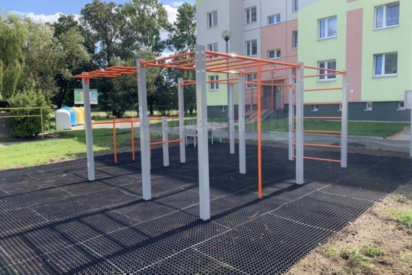 Street Workout Fitnessinone SWP M3 – realizacja Chocianów – Fitness in one SWPM3 – siłownie zewnętrzne i wewnętrzne 5